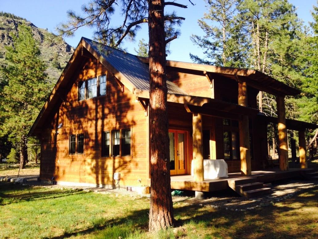 Modern Cabin Style Home in Mazama